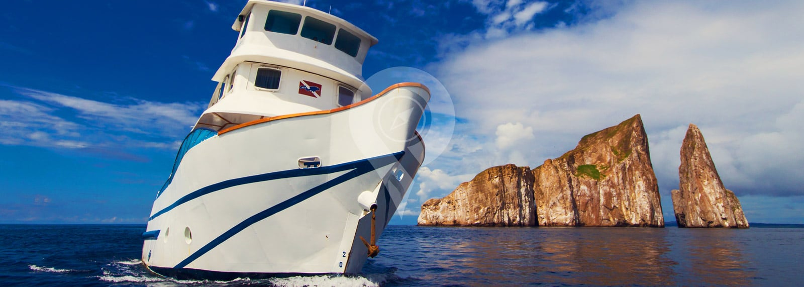 Yate Danubio Azul Galapagos