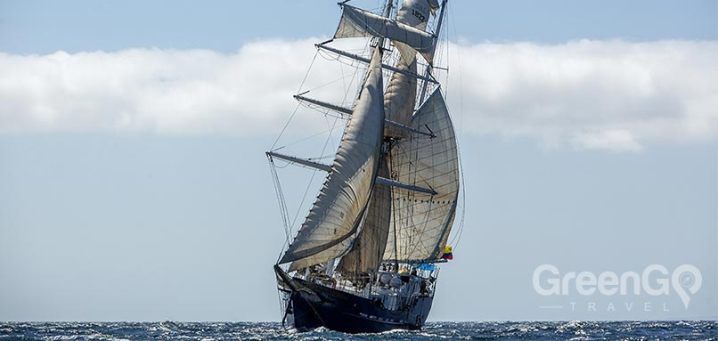 galapagos-vs-caribbean-Galapagos-motor-sailor