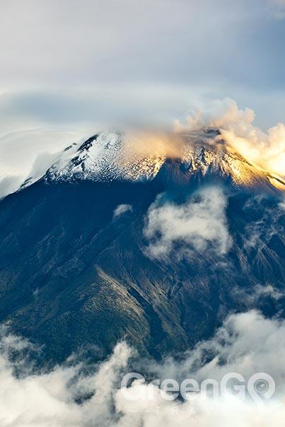 chimborazo-climb acclimatization
