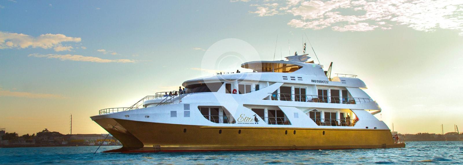 Catamaran Elite Galapagos