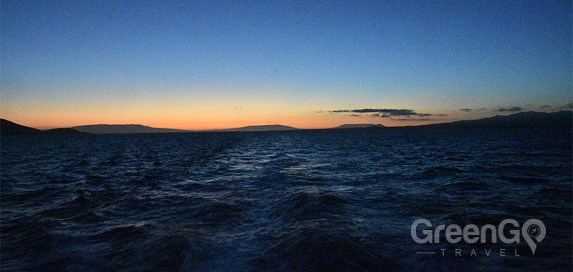 Elite-Galapagos-Catamaran-Galapagos-Sunset