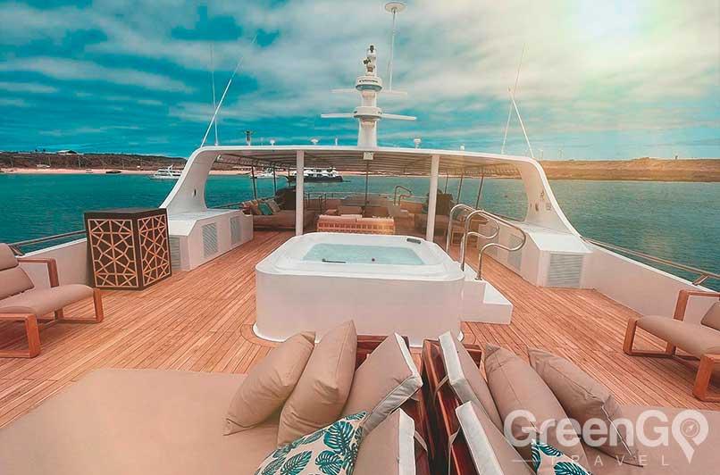 Sea-Star-Journey-Cruise-Deck