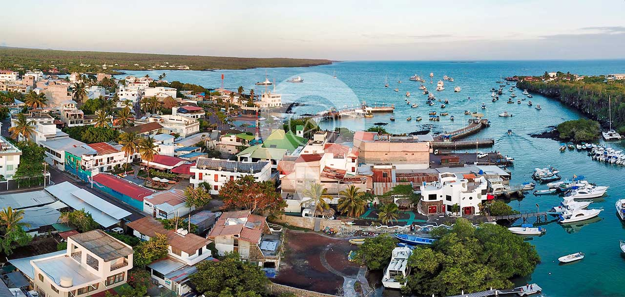 Do-people-live-on-the-Galapagos-Islands--Puerto-Ayora