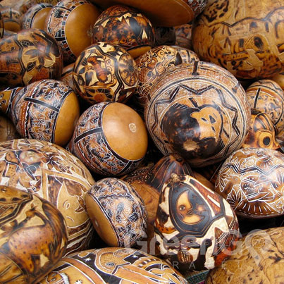 Ecuador handmade products - wood carving