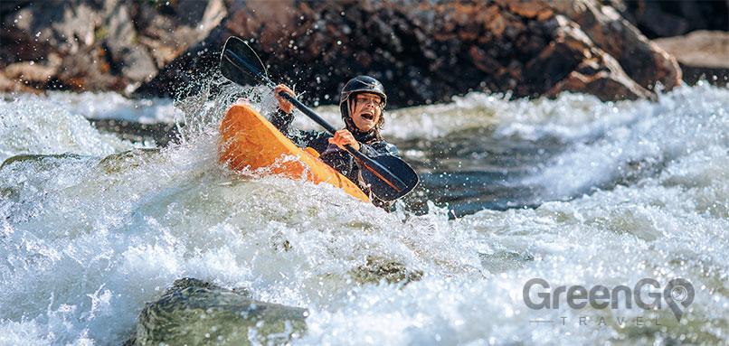 rafting and kayaking in Ecaudor - kayaking adventure